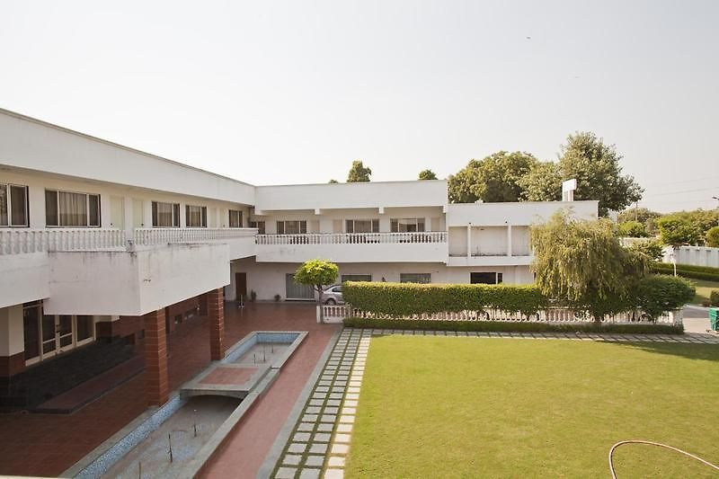 Grand Hotel Agra Great Prices For Accommodation In Agra